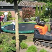 Klik voor trampolines en speeltoestellen